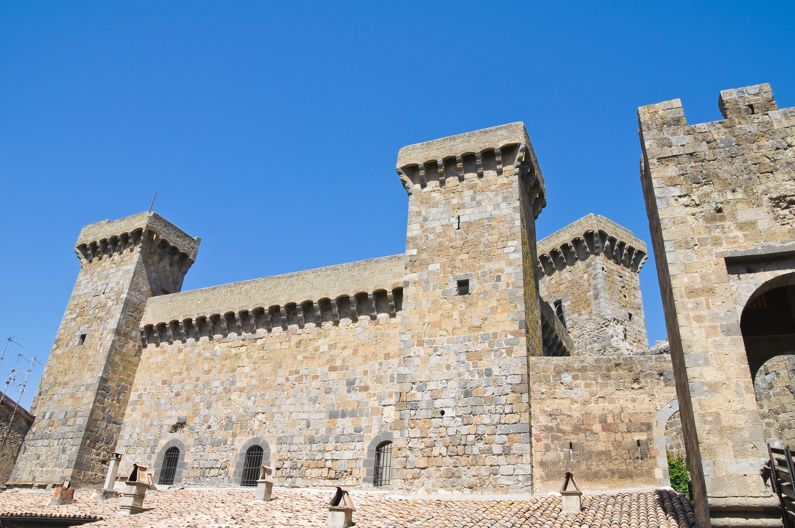 Rocca Monaldeschi a Bolsena   Castelli del Lazio