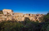 Alla corte dei Farnese a Caprarola: Parco, Giardini e Palazzo
