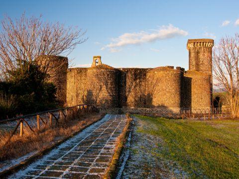 Castello di Vulci o dell'Abbadia a Canino (VT) | Cosa vedere e come visitarlo