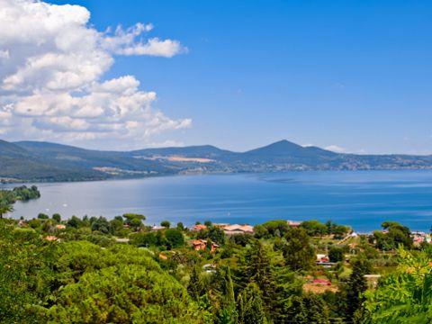 Lago di Bracciano | Cosa vedere e come visitarlo