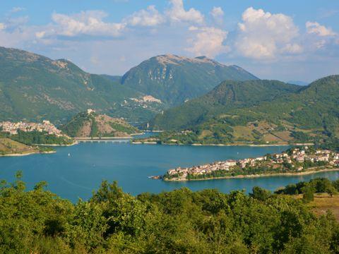 Lago del Turano | Cosa vedere e come visitarlo