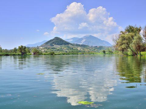 Riserva Naturale Lago di Posta Fibreno - I Parchi Naturali, Riserve e Oasi del Lazio
