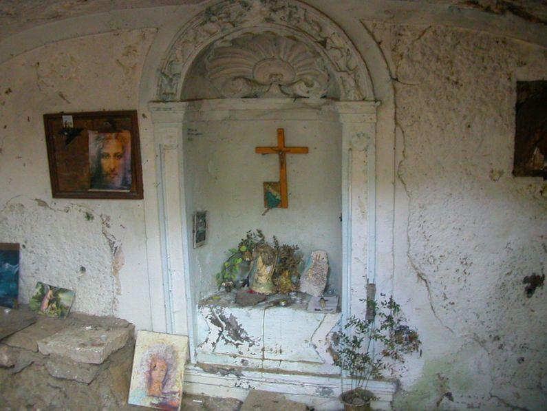 Eremo di Sant'Angelo in Lacu   cosa vedere e come arrivare