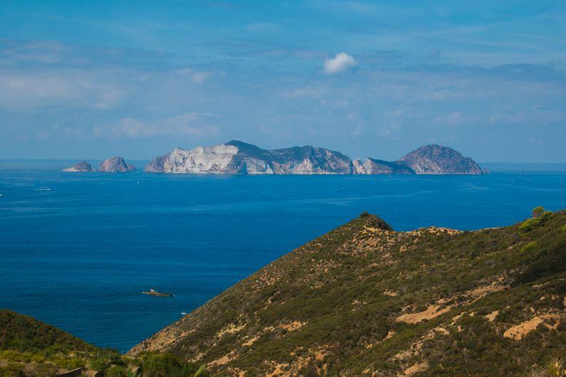 Isola di Palmarola | Cosa visitare e come arrivare