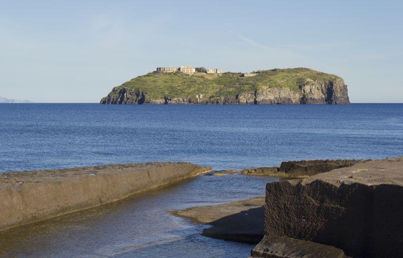 Isola di Santo Stefano | Cosa visitare e come arrivare