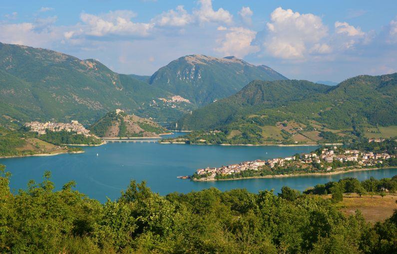 Lago del turano cosa vedere e cosa visitare lazio nascosto - Laghi dove fare il bagno veneto ...