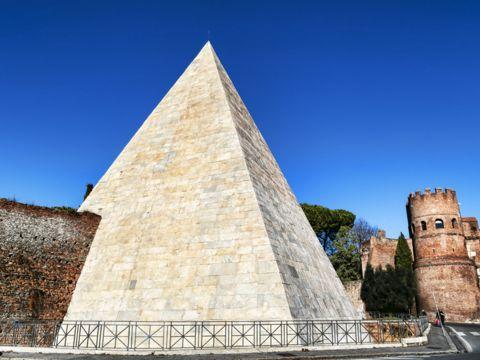 Piramide Cestia | I Monumenti di Roma