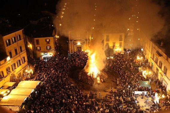 Festa Sacro Fuoco di Sant'Antonio Abate a Bagnaia - Viterbo (VT) | Feste Medievali e Rievocazioni Storiche nel Lazio
