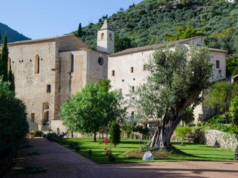 Monastero di San Magno a Fondi (LT) | Cosa vedere e come visitarlo