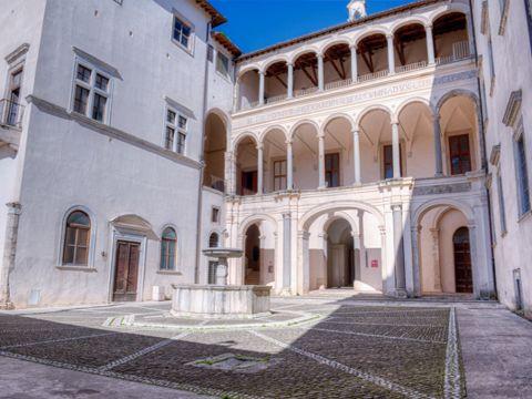 Castello Colonna a Genazzano (RM) | Lazio Nascosto