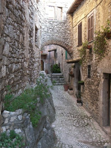 Bassiano (LT)   Cosa vedere nel borgo   Lazio Nascosto