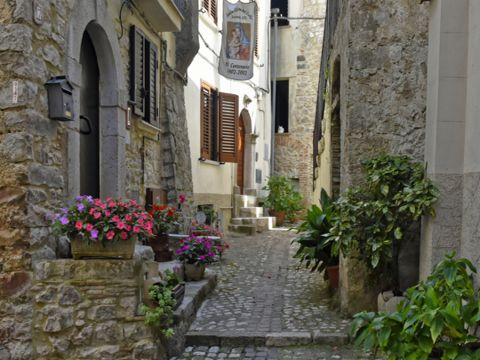 Lenola | Grazioso borgo dei Monti Ausoni | Lazio Nascosto