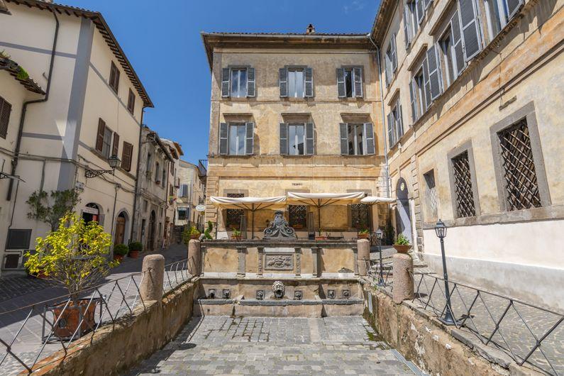 Palazzo Cozza Caposavi a Bolsena (VT)   Lazio Nascosto