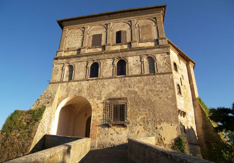 Capodimonte e la Rocca Farnese (VT) | Lazio Nascosto