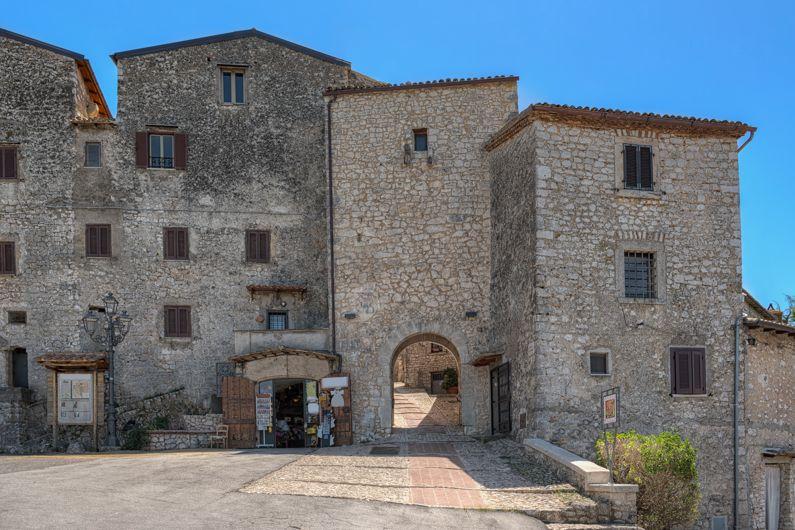 Fumone | Cosa vedere Nel borgo | Lazio Nascosto