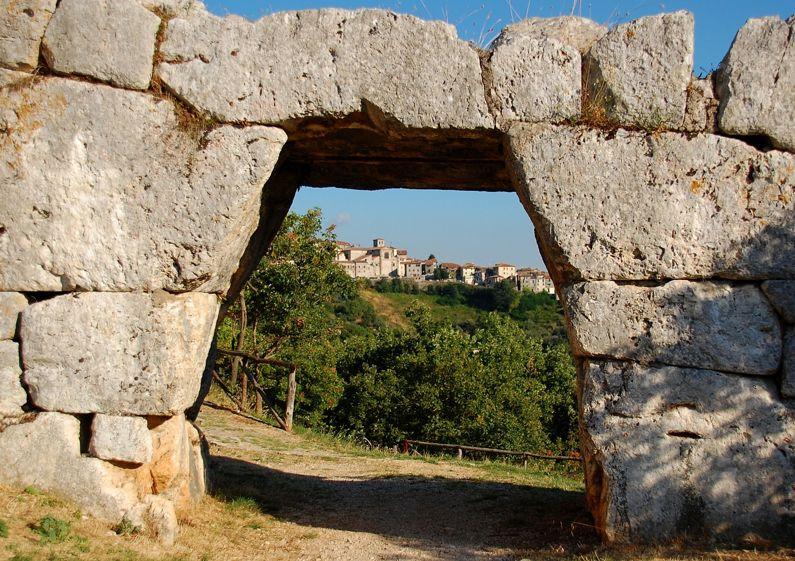 Segni - Porta Saracena (LT) | Lazio Nascosto
