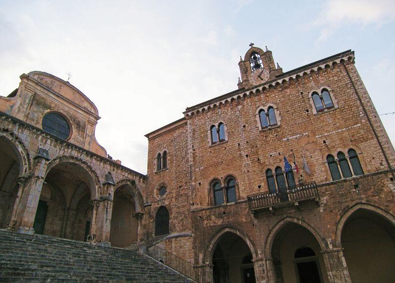 Priverno - Duomo e il Palazzo Comunale (LT)   Cosa vedere nel borgo